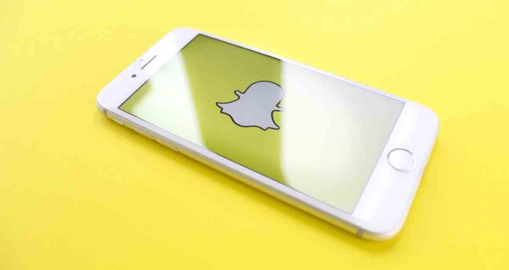 snapchat-researches-use-of-apps